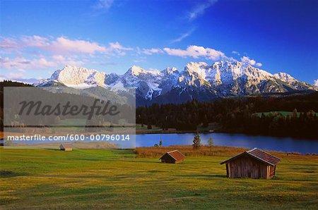 Geroldsee et montagnes Karwendel, Bavaria, Allemagne
