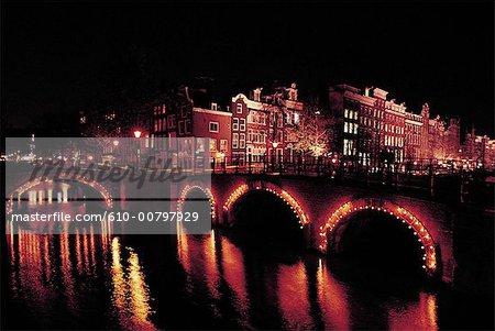 Les pays-bas, la Hollande-septentrionale, Amsterdam, pont et canal
