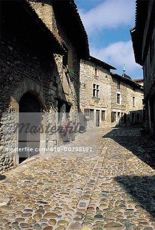 France, Rhone Alpes, Perouges, street