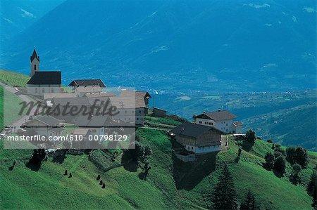 Village d'Autriche, Tyrol du Sud.