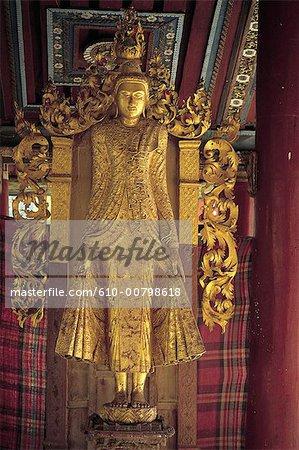 Statue dorée de Bagan, Myanmar
