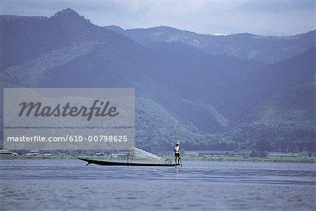 Myanmar, Shan, le lac Inle, pêcheur