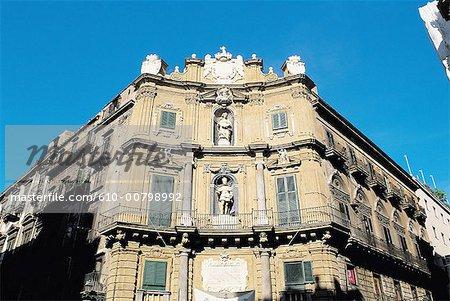 Italy, Sicily, Palermo, Quattro canti square