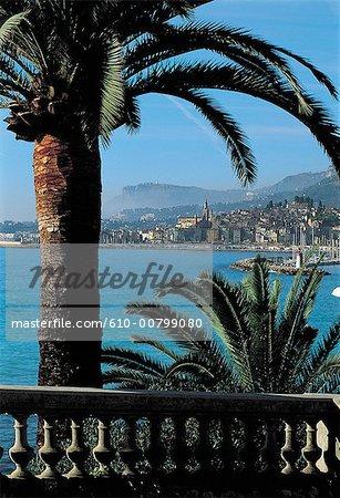 France, vue sur la côte d'Azur, Menton, ville de la villa Serena