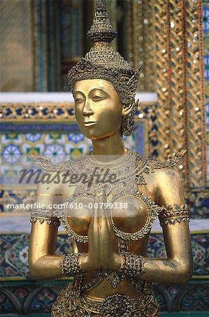Thailand, Bangkok, Wat Phra Keo temple, statue