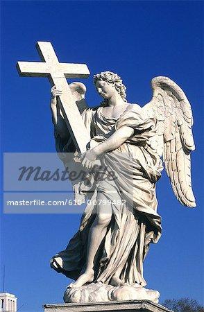 Italie, Rome, Vatican, pont de San Angelo, un ange par le Bernin
