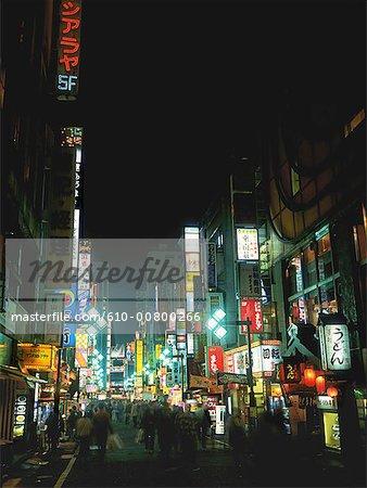 Japon, Tokyo, Shinjuku de nuit