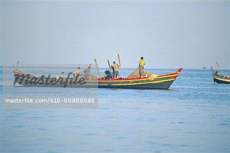 Myanmar, Rakhine state, Ngapali, Lone Tha, back from fishing