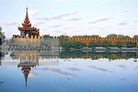 Myanmar, Mandalay, Thaungthaman lake, ramparts and Royal palace
