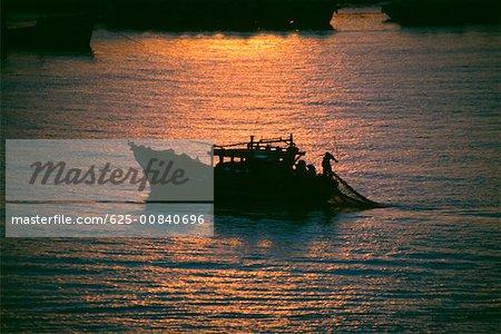 Bateau de pêche, Danang, Vietnam