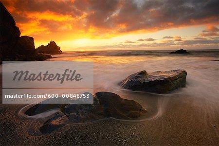 Coucher de soleil du littoral, Parc National de Paparoa, South Island, Nouvelle-Zélande