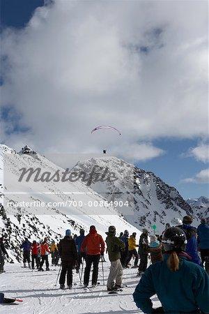 Personne, parachute ascensionnel, Whistler, Colombie-Britannique, Canada