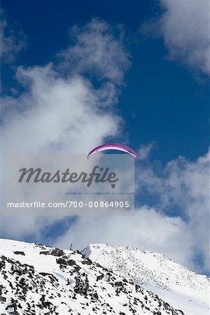 Parachute ascensionnel, Whistler, Colombie-Britannique, Canada