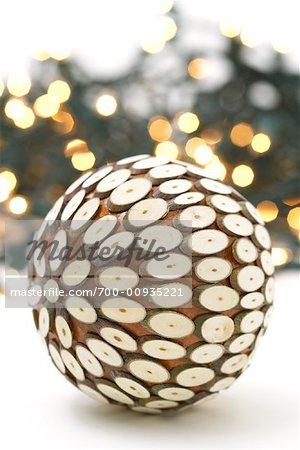 Ball vor Lights