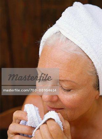Frau waschen sich