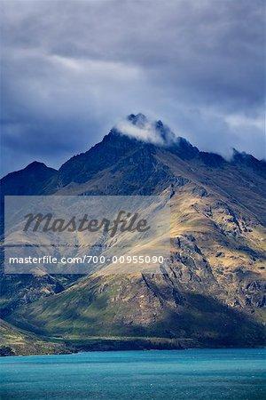 Les remarquables montagnes et le lac Wakatipu, Queenstown, île du Sud, Nouvelle-Zélande