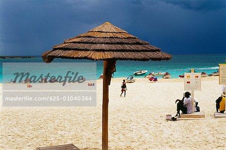 Paysage marin et la plage sur une journée ensoleillée Atlantis Resort aux Bahamas