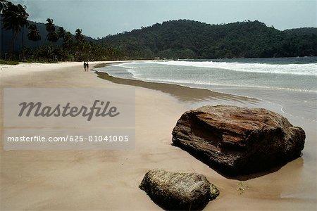 Jolie vue sur une plage déserte, Trinidad, Caraïbes