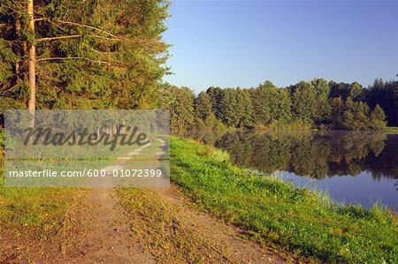 Suivi par le petit lac, Bavière, Allemagne