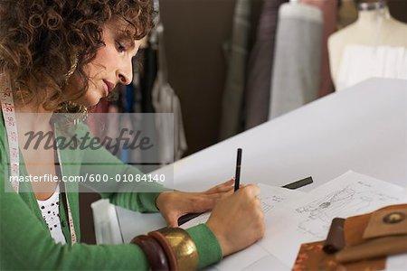 Femme travaillant