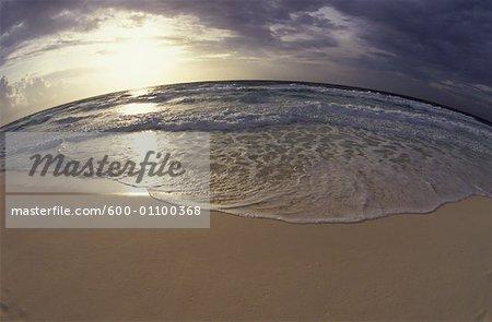 Coucher de soleil depuis la plage, Caraïbes