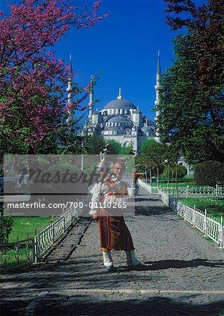 Vendeur de thé en face de la mosquée bleue, Istanbul, Turquie