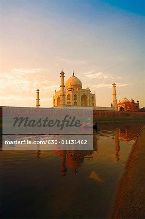 Mausoleum near a river, Taj Mahal Agra, Uttar Pradesh, India