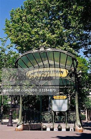 Métro signe, Paris, France