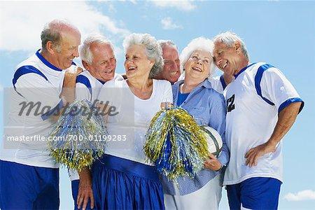 Fußball-Spieler und Cheerleader