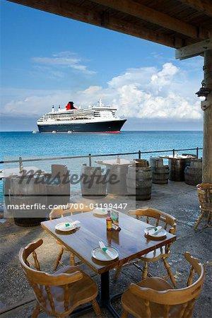 Vue du bateau de croisière de Restaurant Patio, Montego Bay, Jamaïque