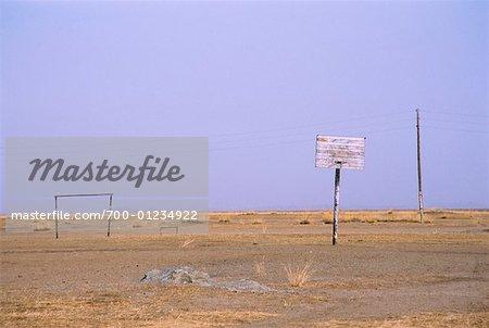 Basket-ball et football au champ, Province d'Arkhangai, Mongolie