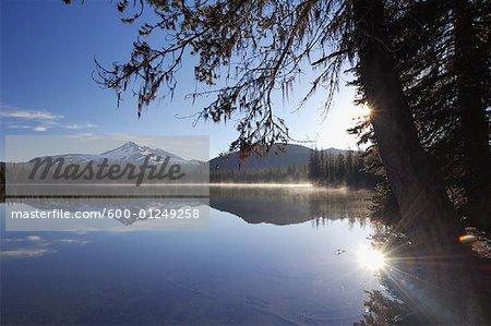 Sparks Lake, la forêt nationale de Deschutes, Oregon, Etats-Unis