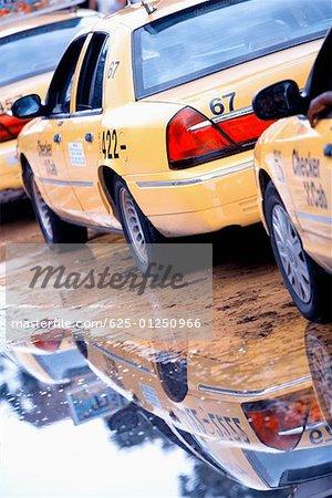 Taxi cabs waiting in a row, Savannah, Georgia, USA