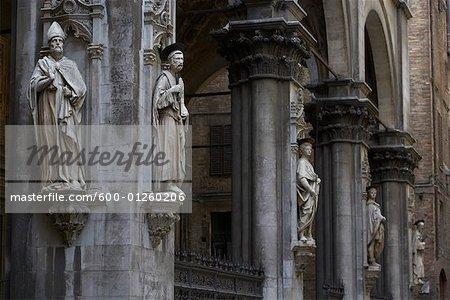 Statues, Sienne, Toscane, Italie