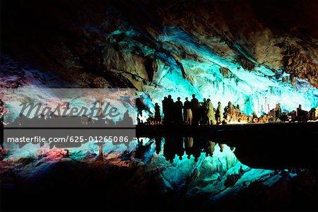 Touristes dans une grotte, Guilin, Chine