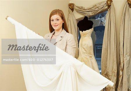 Portrait de femme en Bridal Boutique