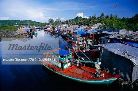 Pêche bateaux, rivière Can Cau, Can Cau, Phu Quoc, Vietnam