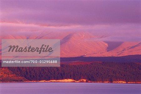 Mountain Range and Lake, Lake Pukaki, New Zealand