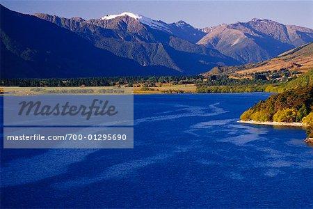 Mountain Range and Lake, Lake Wanaka, New Zealand
