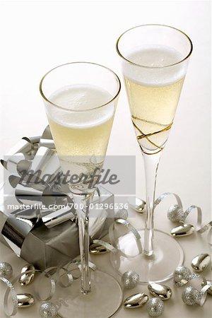 Champagner Flöten mit Geschenk