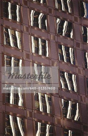 Low Angle View of Fenstern eines Gebäudes