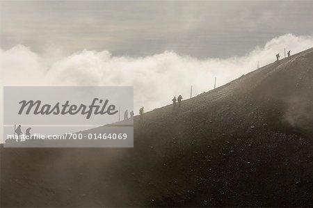 Randonneurs sur Mont Ngauruhoe, Tongariro National Park, North Island, Nouvelle-Zélande