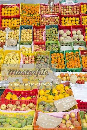 Marché central de Tozeur, Tunisie, fruits