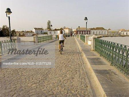Portugal, Algarve, Tavira, vieux pont romain