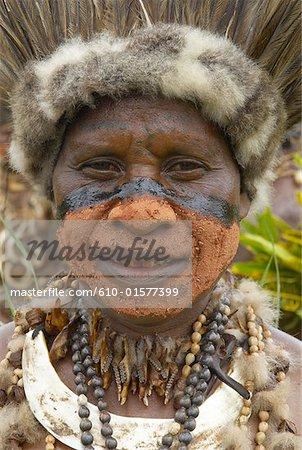 Portrait d'homme papoue Indonésie, Papouasie,