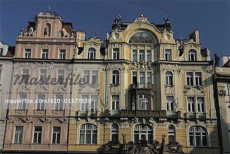 République tchèque, façades de style Baroque de Prague, Staromestske Namesti carré,