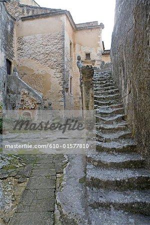 France, Provence, château de Mille, lane