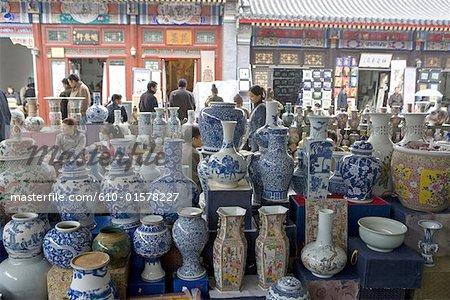 China, Beijing, Panjiayuan market, porcelain vases for sale
