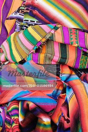 Couvertures au marché, Antigua, Guatemala
