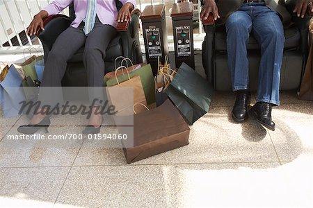 Menschen, die Ruhe in der Mall